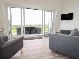 Beachview Apartment 7 - Cornwall - 1066473 - thumbnail photo 4