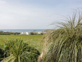 Beach View Apartment 8 - Cornwall - 1066475 - thumbnail photo 12