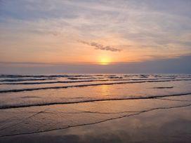 Sea View - North Wales - 1066753 - thumbnail photo 36