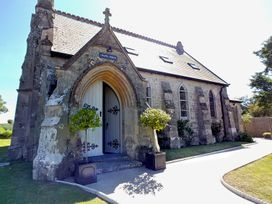 Chapel House - Isle of Wight & Hampshire - 1066825 - thumbnail photo 1