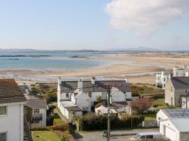 Maesteg - Anglesey - 1066999 - thumbnail photo 36