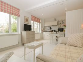 Baytree Studio Apartment - Somerset & Wiltshire - 1067012 - thumbnail photo 10