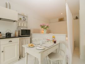 Baytree Studio Apartment - Somerset & Wiltshire - 1067012 - thumbnail photo 11