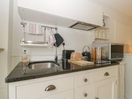 Baytree Studio Apartment - Somerset & Wiltshire - 1067012 - thumbnail photo 12
