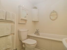 Baytree Studio Apartment - Somerset & Wiltshire - 1067012 - thumbnail photo 19