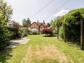 Oakapple Cottage - South Coast England - 1067240 - thumbnail photo 32