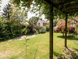 Oakapple Cottage - South Coast England - 1067240 - thumbnail photo 33