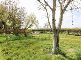 Orchard Barn - Norfolk - 1067302 - thumbnail photo 15