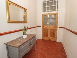 1 Tyn Y Caeau Apartment - North Wales - 1067311 - thumbnail photo 2