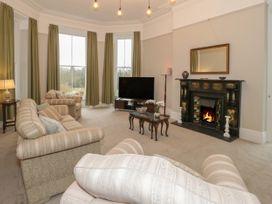 1 Tyn Y Caeau Apartment - North Wales - 1067311 - thumbnail photo 3