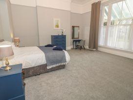 1 Tyn Y Caeau Apartment - North Wales - 1067311 - thumbnail photo 9