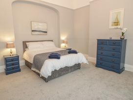 1 Tyn Y Caeau Apartment - North Wales - 1067311 - thumbnail photo 10