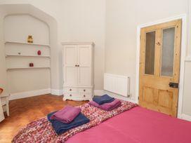1 Tyn Y Caeau Apartment - North Wales - 1067311 - thumbnail photo 13