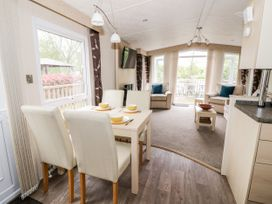 Mandarin Lodge - Cotswolds - 1067335 - thumbnail photo 8