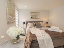 The Apartment at Solley Farm House - Kent & Sussex - 1067430 - thumbnail photo 11