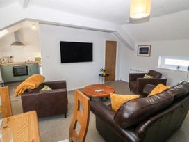 Medical Hall - Anglesey - 1067497 - thumbnail photo 5