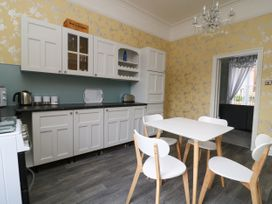Flat 1 - Whitby & North Yorkshire - 1067871 - thumbnail photo 9