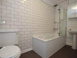 Basement Apartment - Cotswolds - 1067986 - thumbnail photo 27