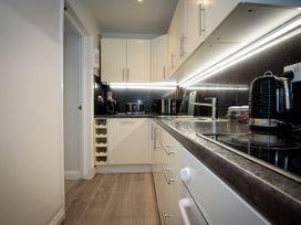 Basement Apartment - Cotswolds - 1067986 - thumbnail photo 10
