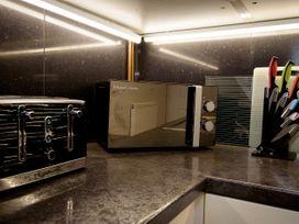 Basement Apartment - Cotswolds - 1067986 - thumbnail photo 12