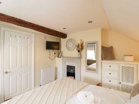 Corner Cottage - Somerset & Wiltshire - 1068093 - thumbnail photo 19