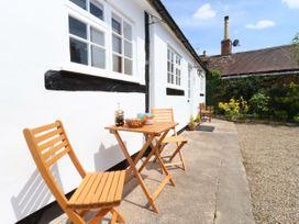 Mortons Cottage - Cotswolds - 1068156 - thumbnail photo 3