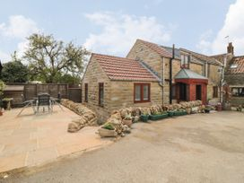 Farm Yard Cottage - Whitby & North Yorkshire - 1068228 - thumbnail photo 12