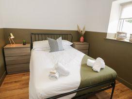 Apartment 1 - North Wales - 1068243 - thumbnail photo 12