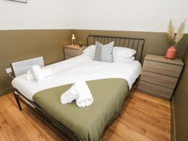 Apartment 1 - North Wales - 1068243 - thumbnail photo 13