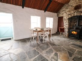 Big Hill Cottage - County Donegal - 1068419 - thumbnail photo 5