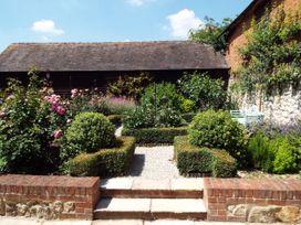 Oast Cottage - Kent & Sussex - 1068731 - thumbnail photo 4
