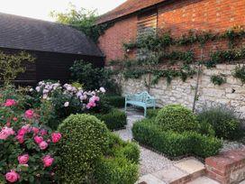 Oast Cottage - Kent & Sussex - 1068731 - thumbnail photo 25