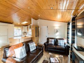 Windermere Retreat Lodge - Lake District - 1068789 - thumbnail photo 4