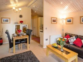 Woodland Nook Lodge - Lake District - 1068801 - thumbnail photo 2