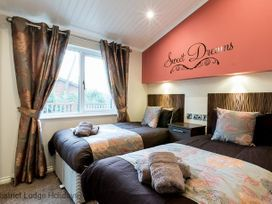 Laughing Duck Lodge - Lake District - 1068815 - thumbnail photo 11