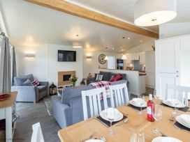 Marina View Lodge - Lake District - 1068849 - thumbnail photo 4