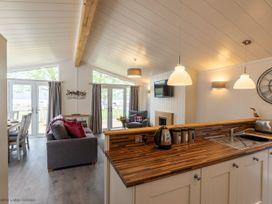 Marina View Lodge - Lake District - 1068849 - thumbnail photo 9