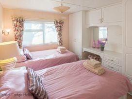 Lily Tarn Lodge - Lake District - 1068951 - thumbnail photo 8
