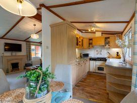 Lily Tarn Lodge - Lake District - 1068951 - thumbnail photo 6
