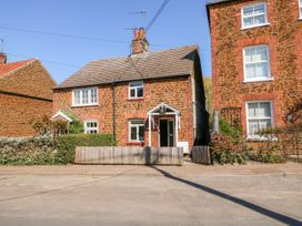 Curlew Cottage - Norfolk - 1068984 - thumbnail photo 1