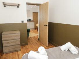Apartment 3 - North Wales - 1069082 - thumbnail photo 13