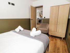 Apartment 3 - North Wales - 1069082 - thumbnail photo 15