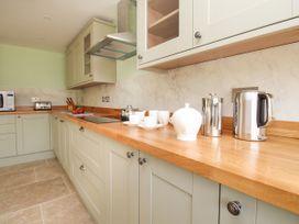 The Granary, Burton Bradstock - Dorset - 1069147 - thumbnail photo 8