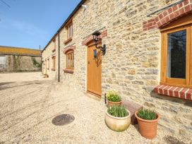 The Stables, Burton Bradstock - Dorset - 1069215 - thumbnail photo 2