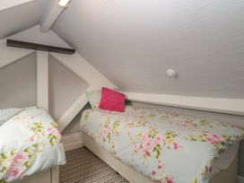 Rafters Apartment - Devon - 1069284 - thumbnail photo 12