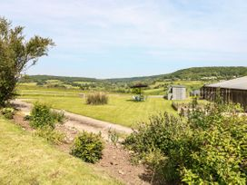 Farm View Lodge - Cotswolds - 1069818 - thumbnail photo 21