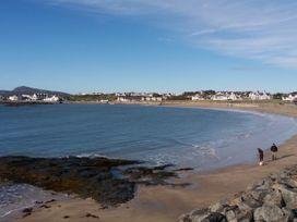 Beach Reach - North Wales - 1070115 - thumbnail photo 32