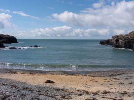 Beach Reach - North Wales - 1070115 - thumbnail photo 33