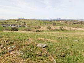 Orsedd Wen Farmhouse - North Wales - 1070178 - thumbnail photo 22