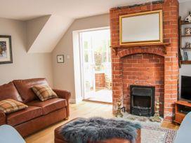 Blossom's Cottage - Shropshire - 1070327 - thumbnail photo 2